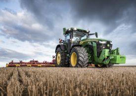Nowe ciągniki John Deere serii 7R i 8R – ogromna moc, wszechstronność oraz inteligencja