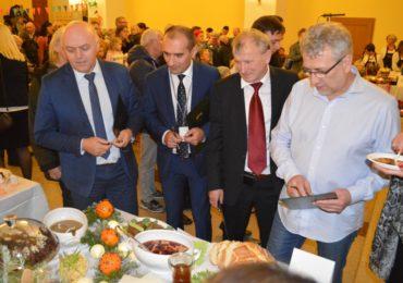 Pokaz stołów wigilijnych w Piotrkowie Trybunalskim