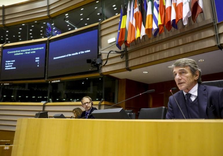 COVID-19: Parlament zatwierdza kluczowe instrumenty wsparcia dla UE