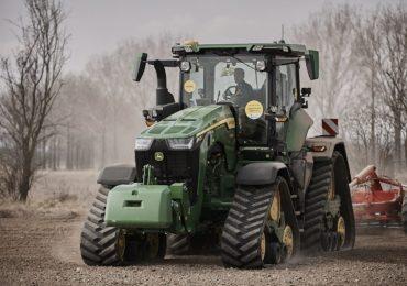 John Deere podsumowuje pokazy demo nowego ciągnika 8RX
